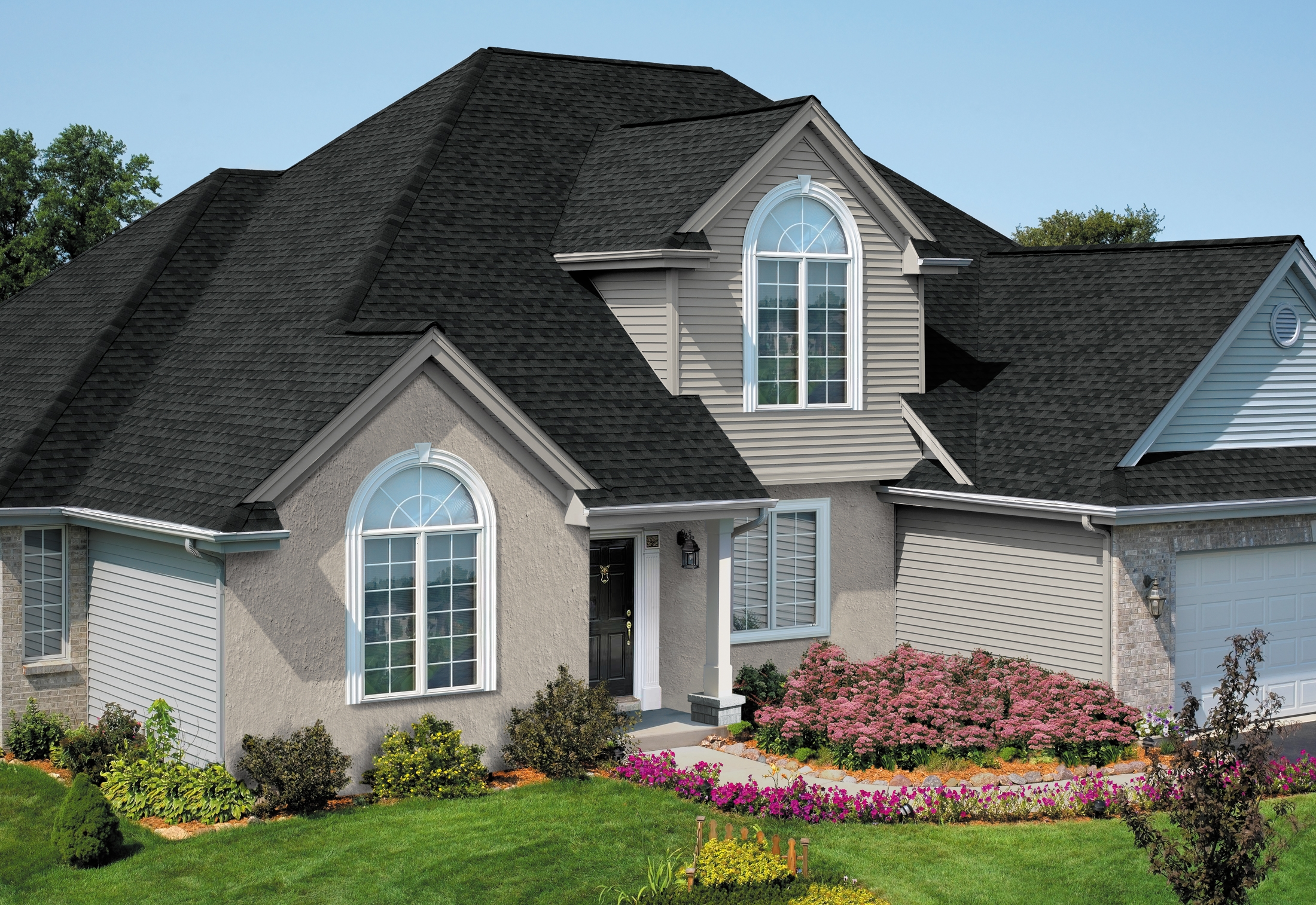 GAF_Timberline_Natural_Shadow_Charcoal_House